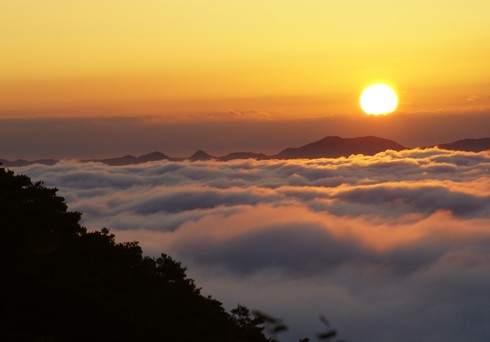 三次の霧の海