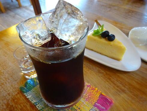 三次カフェ CATCAT アイスコーヒー
