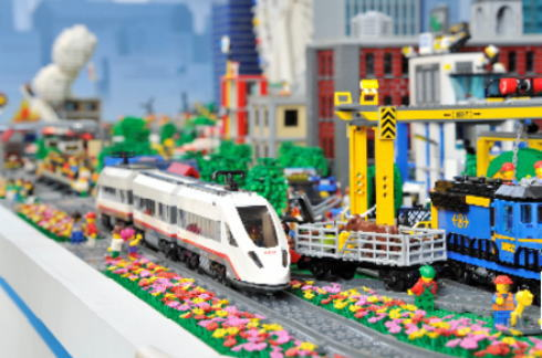 巨大なレゴの街が、広島にやってくる!体験も出来るレゴシティ トラックキャラバン