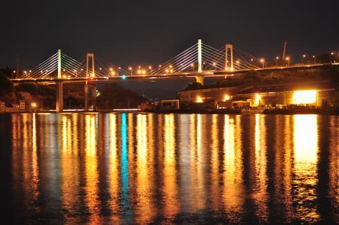 新尾道大橋(しまなみ海道)のライトアップ、週末の夜は橋萌え