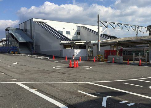 JR大野浦駅の駅舎橋上化が完成、工事の進み具合