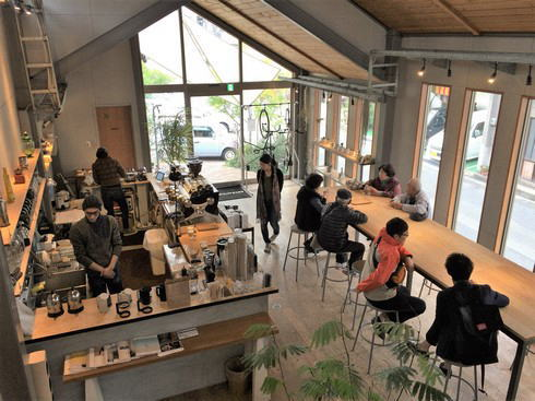 福山のコーヒー店 エクストラクターズコーヒー バイ ノックワイ 店内