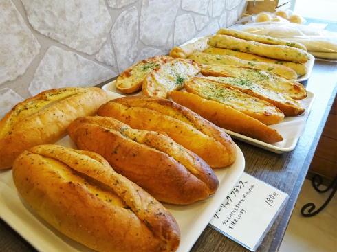 豊栄町のパン屋さん リュラル・ブーランジェ 店内の様子2