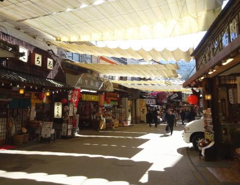 宮島 表参道商店街の様子