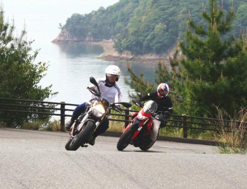 イタリアンバイクミーティング ワインディング走行の様子