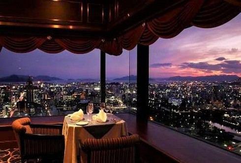 広島のリーガ最上階ラウンジが、恋人の聖地サテライトに