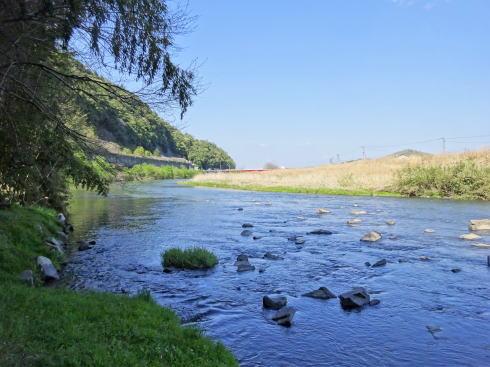 安芸高田市 千貫水 川へと注ぐ