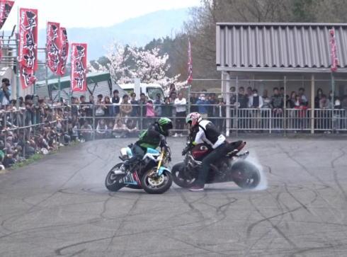 車輪村 エクストリームバイクショーの様子3