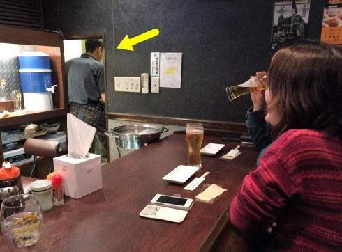 流川に 生ビールとたこ焼きの店 佐藤、マスターの小林さん