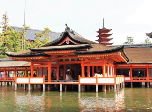 厳島神社が 行ってよかった!日本の神社仏閣ランキング トップ3入り