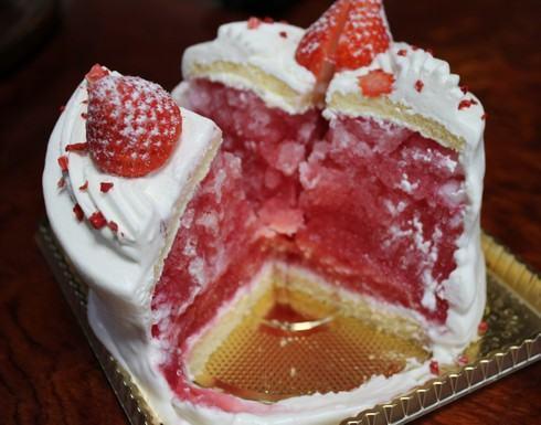 かき氷ケーキ 広島初登場、1度で2度楽しめる新食感スイーツ