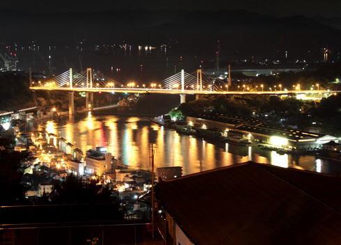尾道 千光寺公園からの夜景、光と静けさを味わう恋人の聖地