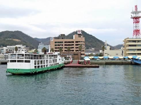 三原港と佐木島を結んでいたフェリー、幸運丸