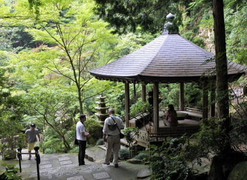 三瀧寺 境内の東屋