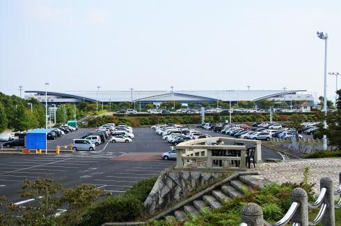 八天堂カフェリエ横から広島空港を眺める