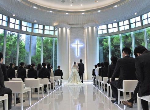 リーガロイヤルホテル広島のチャペルがリニューアル、緑に包まれる純白の空間に