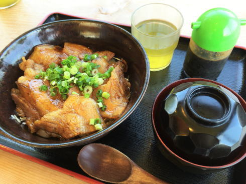 北広島 へんぽこ茶屋 ぶた丼