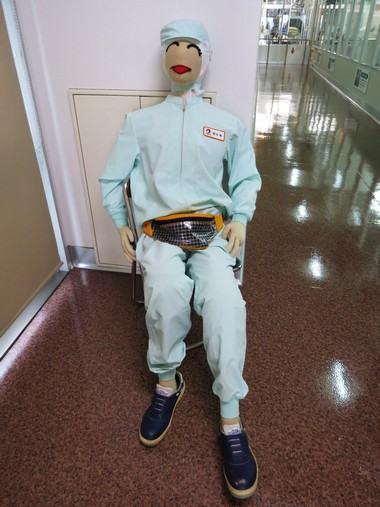 オタフクソース工場見学、スタッフのマネキン