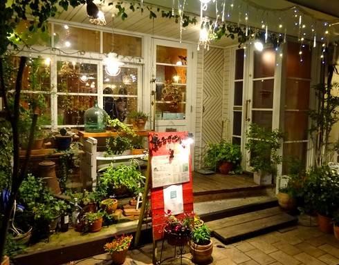 コージーカフェグレイス、夜カフェごはんも美味しいデザイナーのナチュラルカフェ