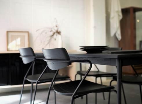 モルケイ木工、ダイニングテーブルと椅子4脚のセット