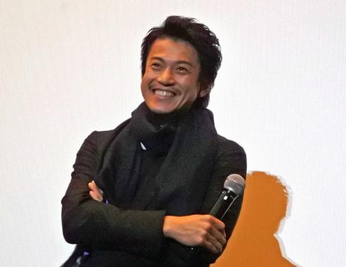 小栗旬が広島舞台挨拶、映画「ミュージアム」