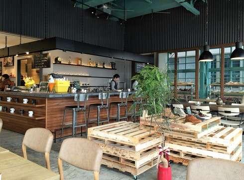府中市 バルカカフェの店内の雰囲気