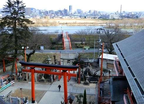 草戸稲荷神社の本殿からの眺め