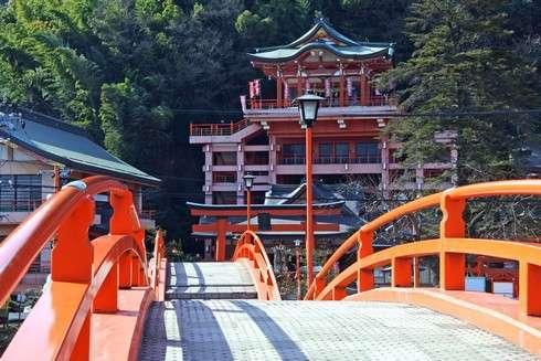 草戸稲荷神社に架かる太鼓橋