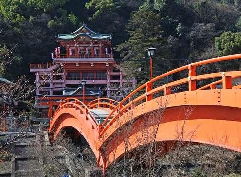 草戸稲荷神社に架かる太鼓橋2