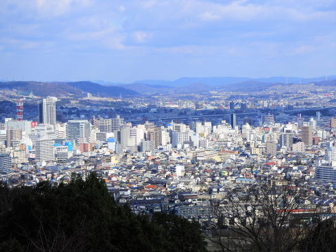 明王台展望台(配水池)から見た福山市街地