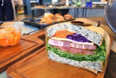 燻製サンド、カフェブリッコ