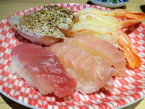 焼肉と寿司 カルビッシュ 寿司もうまい