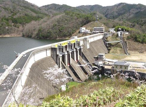 土師ダム管理所付近の景色