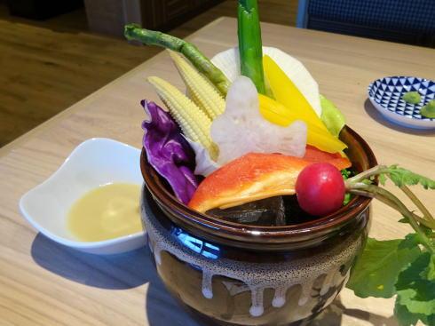 焼肉と寿司 カルビッシュ バーニャカウダー
