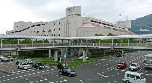 天満屋アルパークやサンプラザ広島に接続するペデストリアンデッキ(歩道橋)