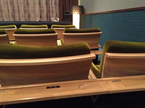 八丁座「弐」の座席