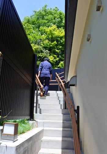 宮浜グランドホテル、屋上露天風呂に続く階段