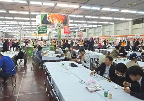 広島でお好み焼提案会を開催、オタフクソース主催で