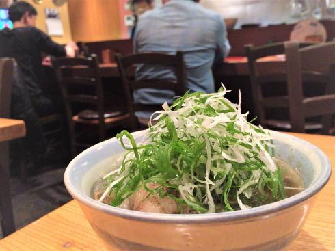 広島並木通り デンスケ、とろける絶品テールスープが染みわたる