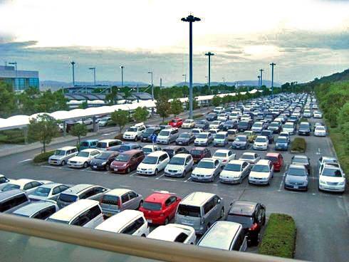 広島空港と空港駐車場