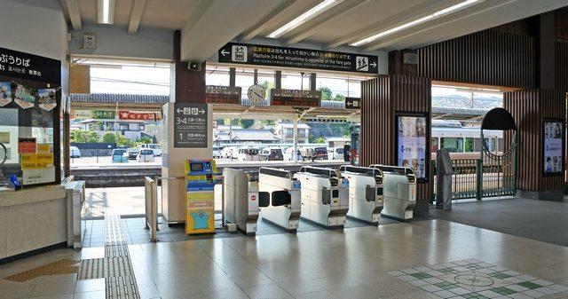 新しいJR宮島口駅の改札