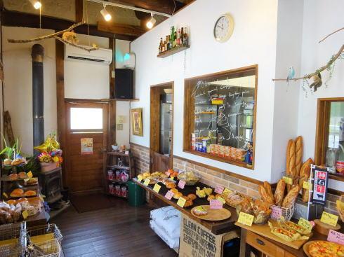 神石高原町 オオカミブレッド 店内の様子