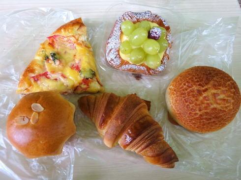 神石高原町 オオカミブレッド のパンたち