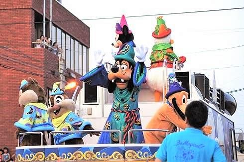ディズニーパレード、三原やっさ祭りにスペシャルバージョンで登場