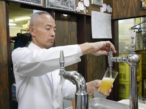 ビールスタンド重富(重富酒店)昭和初期のビールサーバーと注ぎ方で、一味違う生ビールを
