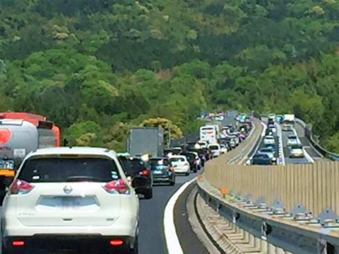 2017お盆 高速道路渋滞予測、8月11日から最大20kmの混雑も