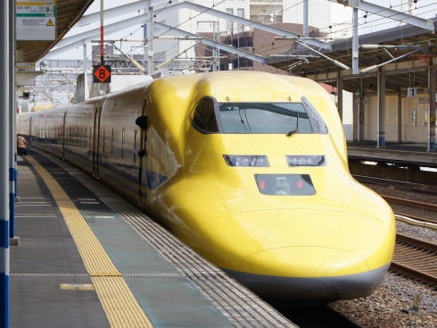 岡山で新幹線ふれあいデー、ヱヴァ・ドクターイエロー見学も