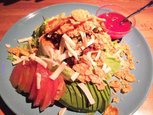呉市 メンフィスギャングカフェ メキシコ風サラダ