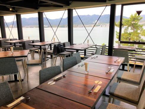 宮島ブルワリー 3階レストラン店内の様子