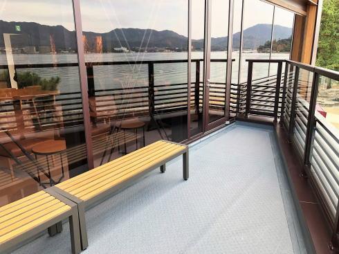 宮島 スターバックスコーヒー厳島表参道店 テラス席